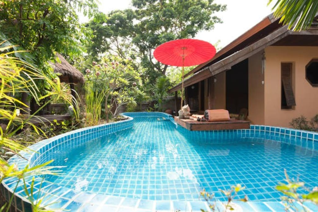 Lana style pool house room 1 bungalows for rent in chiang mai chiang mai thailand for Chiang mai house for rent swimming pool