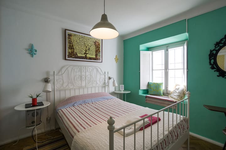 Cascais Boutique Hostel - Room 1 - Cascais - Bed & Breakfast