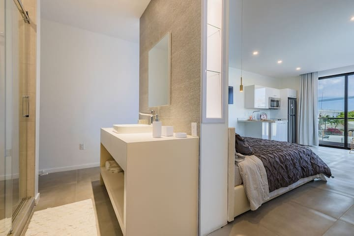 Portside Apartments - Apt #4 (Portview)