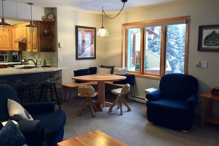 Cozy condo at Sun Peaks