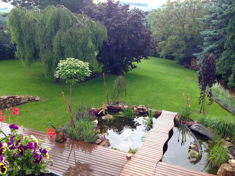 Large garden to relax in