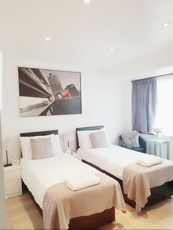 King/Twin Premium Room
