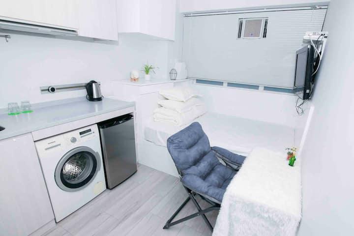 Worthy Wan Chai Apartment 灣仔地點方便 超值二人住所 包煮食工具及洗衣機