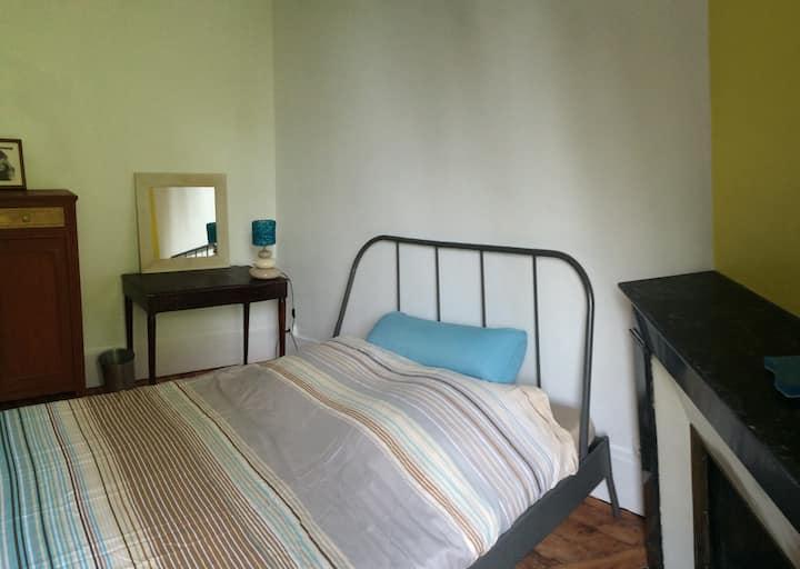 Belle chambre dans maison près de Paris