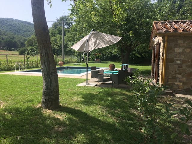 Lovely cottage on Tuscany border with private pool - Sant'Andrea di Sorbello - Casa