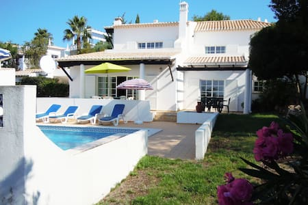 4 bed villa, Golf & Leisure resort, pool & views - Budens