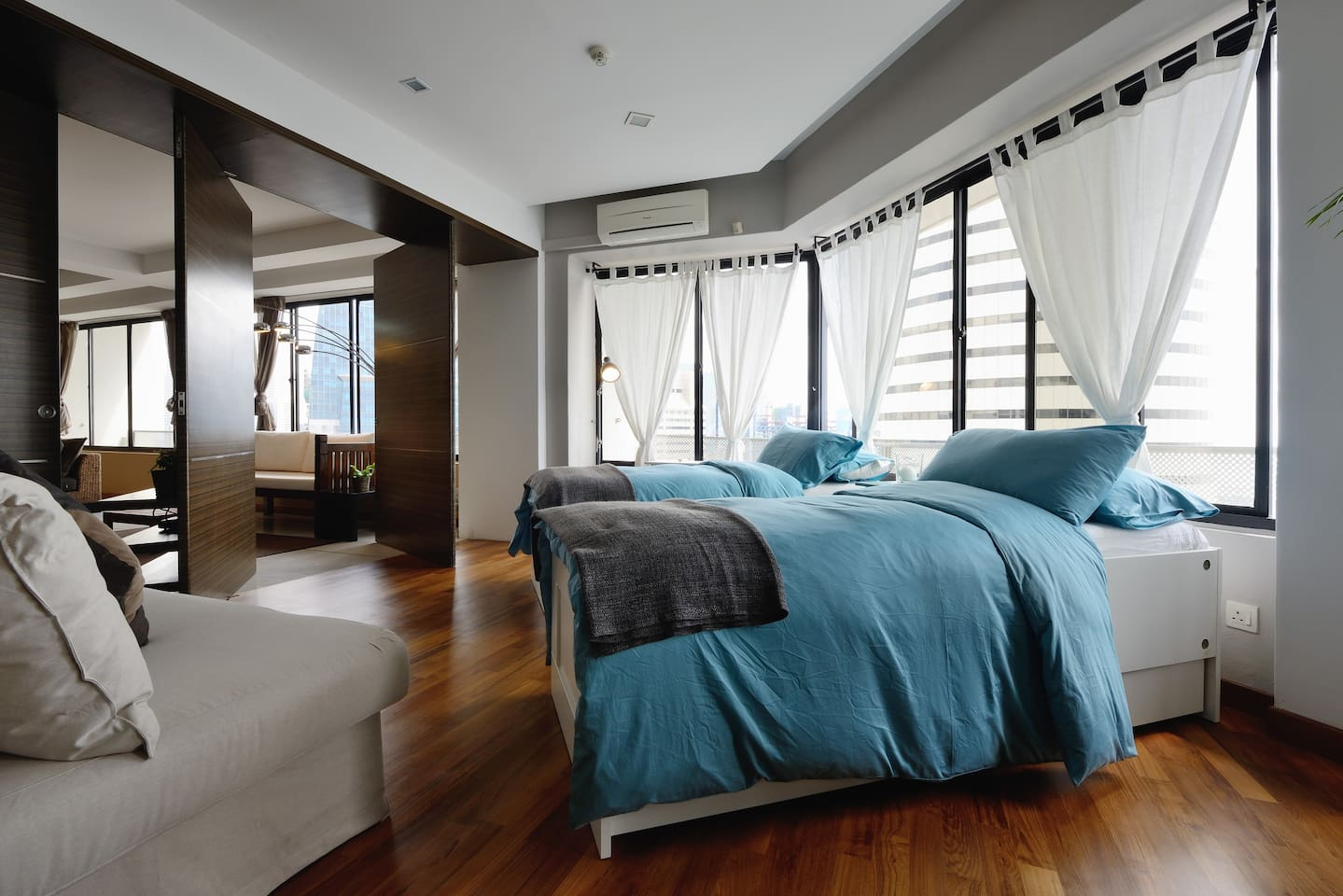 Spacious rooms and breathtaking sea views