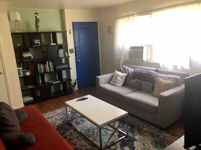 Bright Jersey Garden Apartment (NYC 15-20 min)