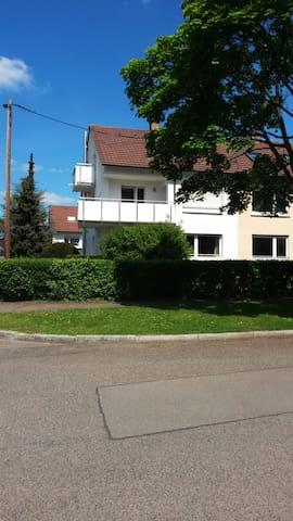 Top ausgestattete Wohnung in ruhiger Lage! - Leinfelden-Echterdingen - Huoneisto