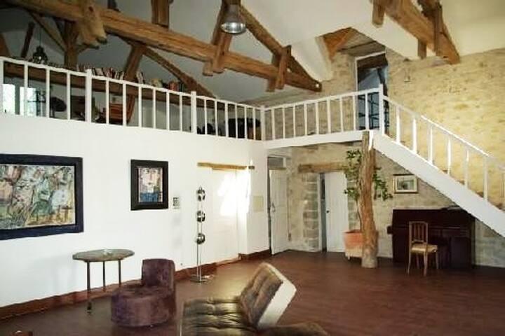 Grande Maison en pierre du Quercy XVIII ème