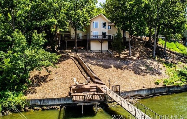 Look No More-Lakefront/Private Dock/Hot Tub/Bar