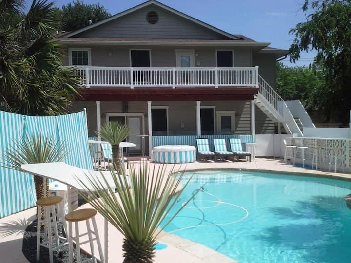 Luxury Duplex Resort with pool