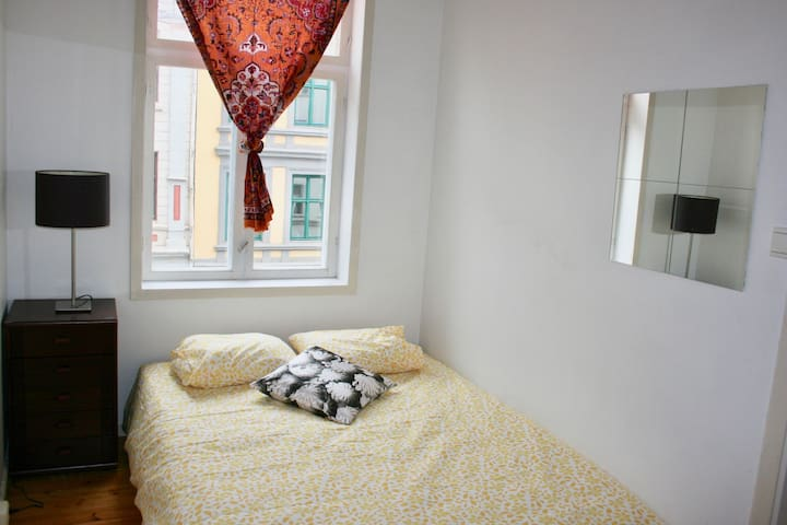 Huset Hostel Oslo. Medium Room 9.
