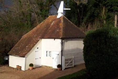 B & B Cranbrook, Sissinghurst Oast - Bed & Breakfast