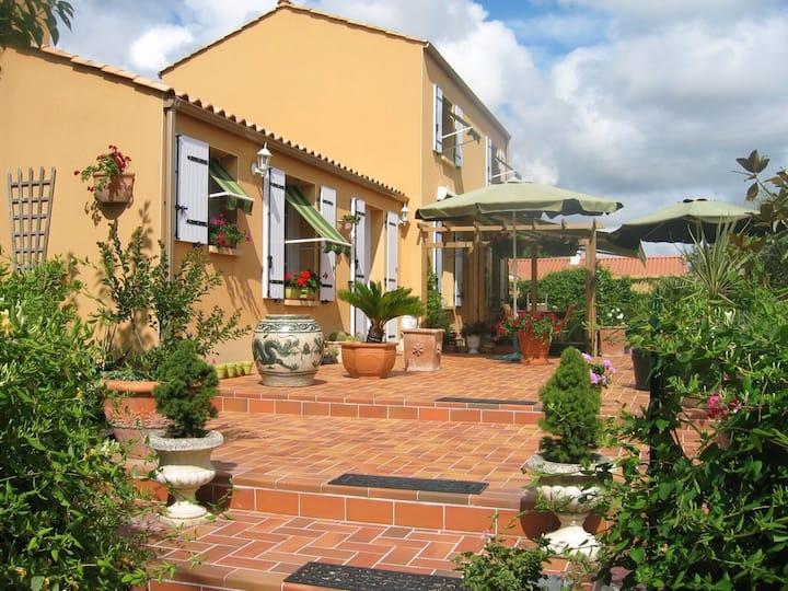 Maison au bord de mer style provençale