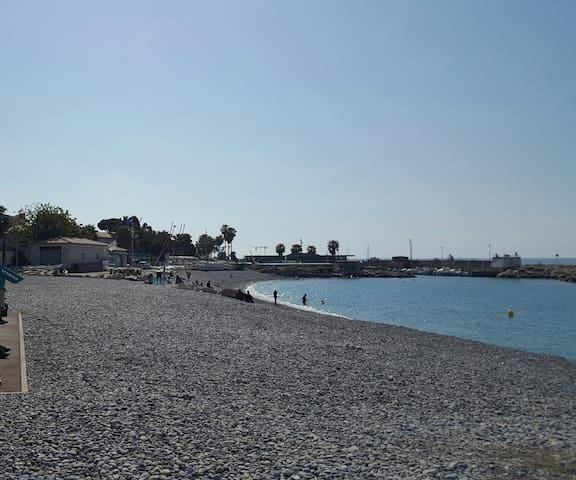 Comfortable 3 rooms apartment, 200 m from the sea - Cagnes-sur-Mer - Apartamento