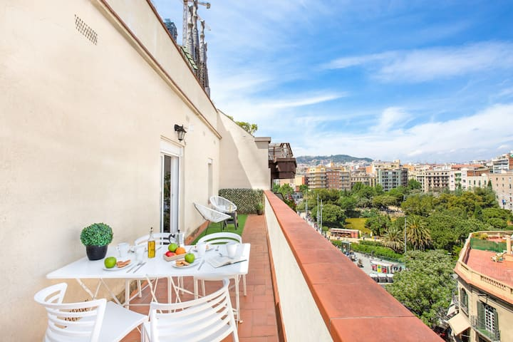 BARCELONA | 3 BEDROOM APT WITH TERRACE ¤