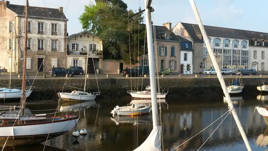 Petite maison sur le port - Pont-l'Abbé