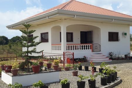 Holiday House in Dauis, Panglao - Bohol