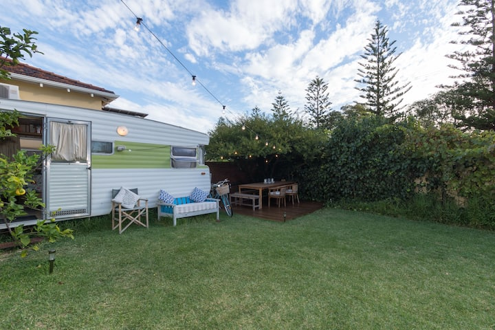 Cottesloe Caravan - Retro/Cosy/Fun