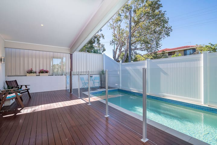 Stunning New Ballina Beach House! - East Ballina - Huis