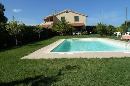 Pool,relax & country,5min to beach! - Principina Terra - Casa de camp