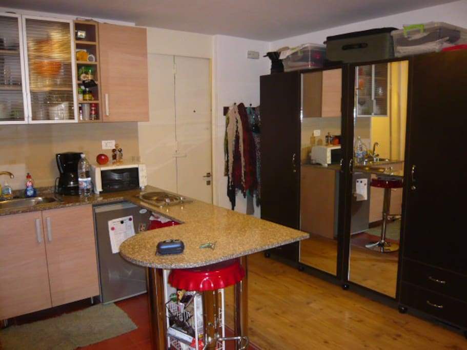 equipped good kitchen with bar