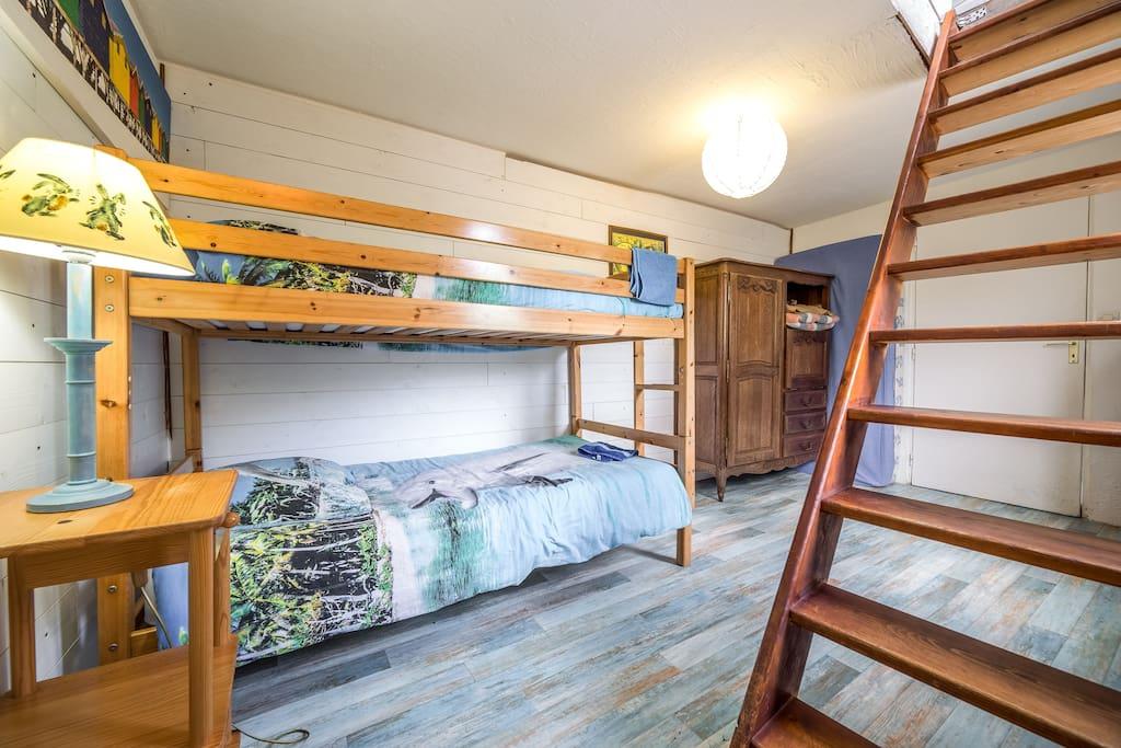 chambre familiale 5 ou6 personnes chambres d 39 h tes louer saint pierre quiberon bretagne. Black Bedroom Furniture Sets. Home Design Ideas