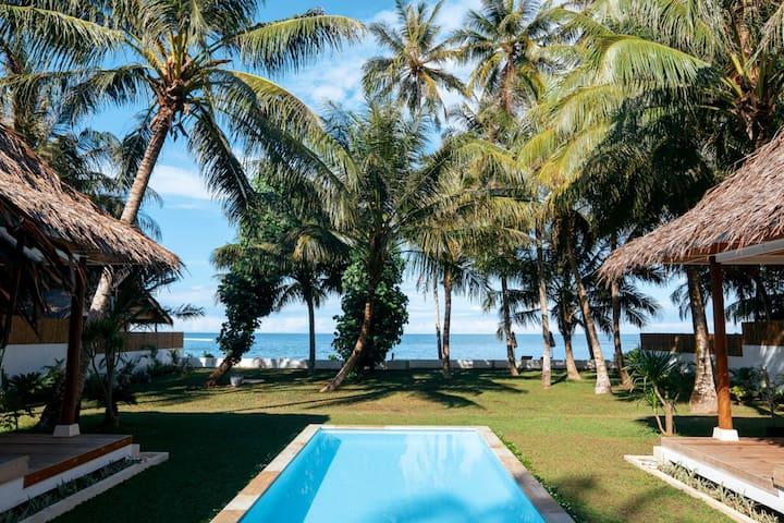 Luxury 4 bedroom - Villa Onu Mentawai at HT's