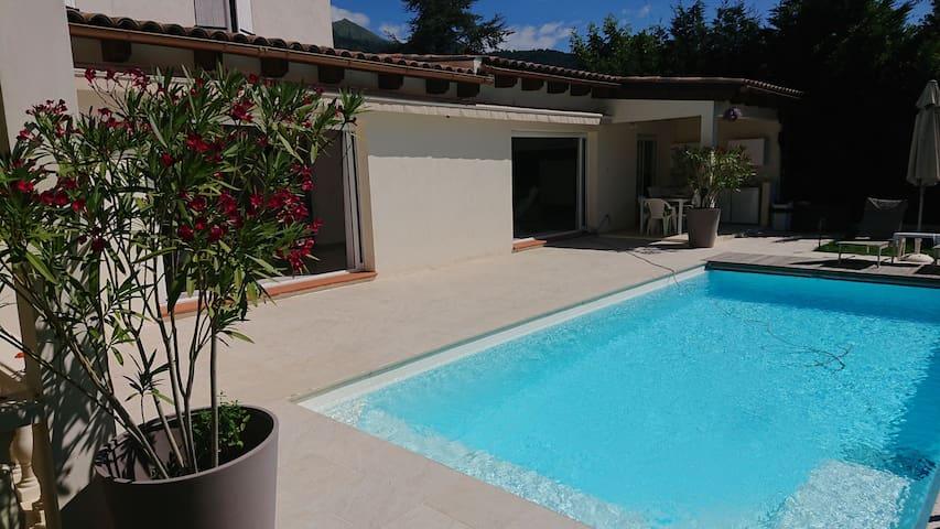 Agréable villa à proximité de Menton