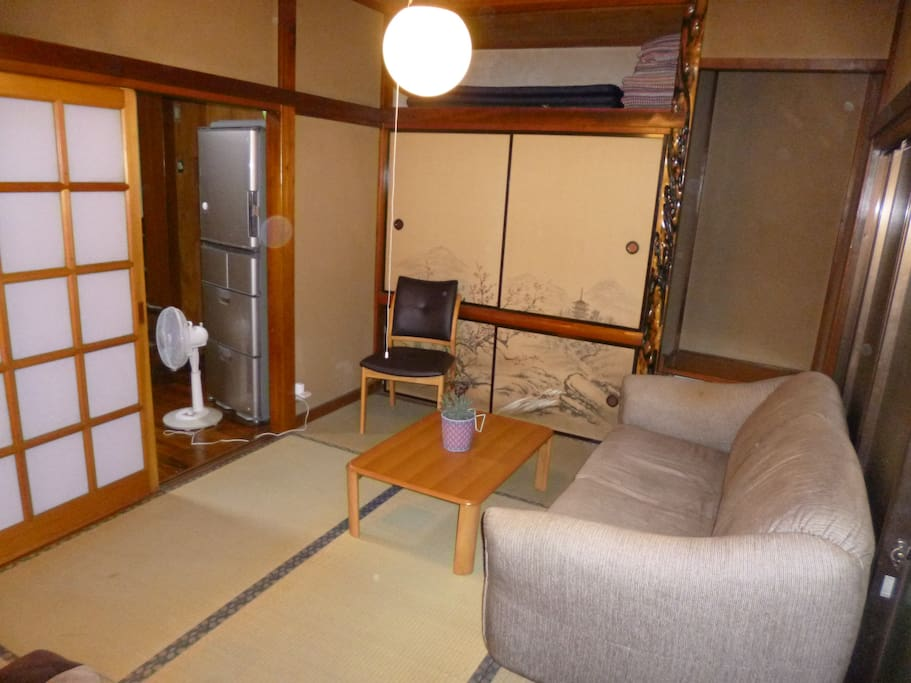 【Bed room 1】2 comfortable double sofa beds