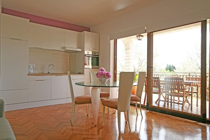Bright & spacious apartment Porec - Poreč - Appartement