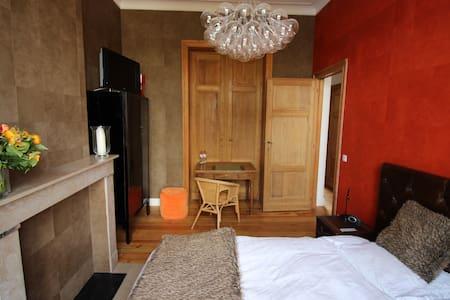 Superbe chambre ligne direct TRAM pour SEA FOOD - Etterbeek - Wohnung