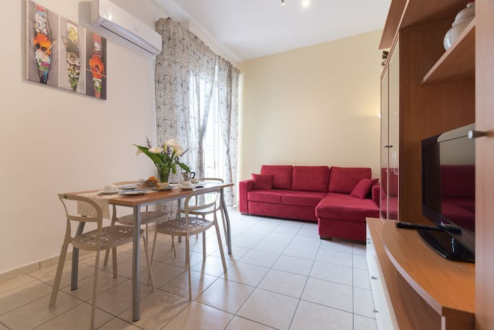 APARTMENT 10KM FROM CENTR FLORENCE  - Prato - Huoneisto