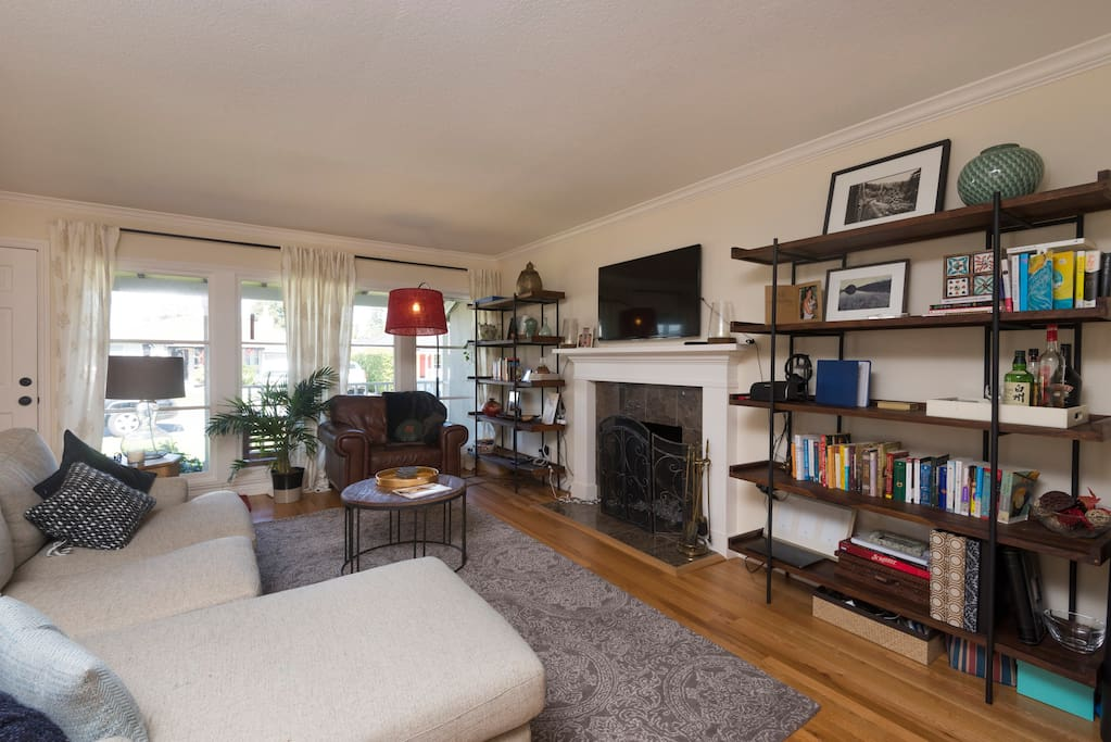 living room redwood city comfortable 1bd w superhosts 5 minutes from 101 houses 16748