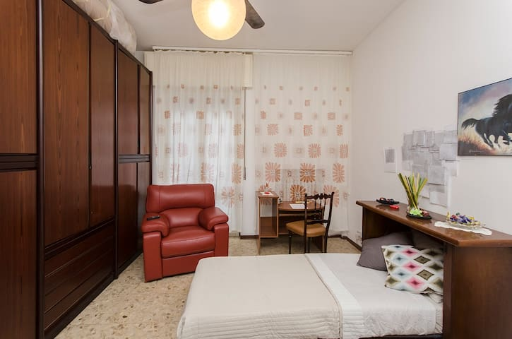 Affittasi stanza / Room for rent - Sesto San Giovanni - Daire