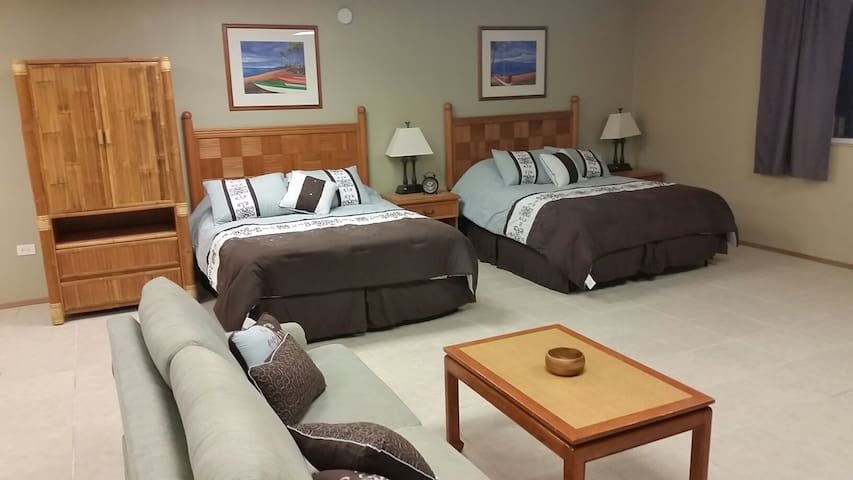 Large Suite in Historic HILO