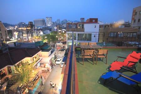 With private terrace! @Hongdae - Mapo-gu - Loft