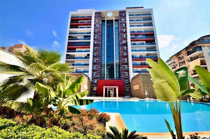 Уютная , большая квартира в центре Махмутлар