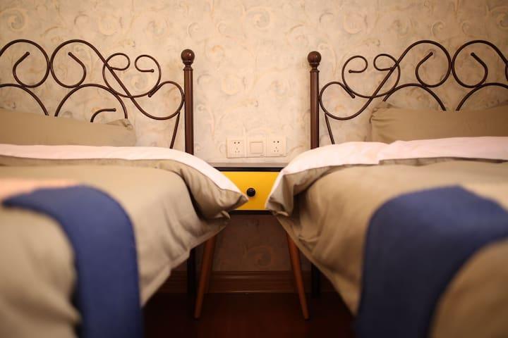 炉石青年旅舍-双床房