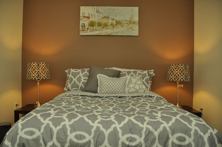 Modern Room in Contemporary House - Lynnwood - House