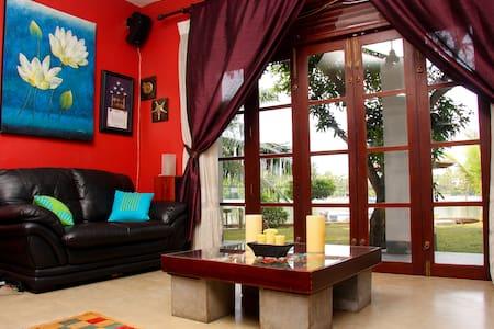 Private House Facing Bolgoda Lake - Moratuwa - 一軒家