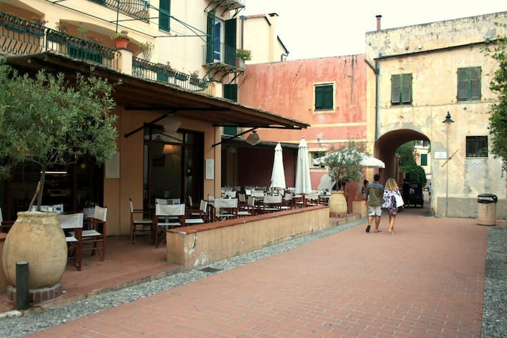 Bilocale nel borgo di Varigotti - Varigotti - Apartment