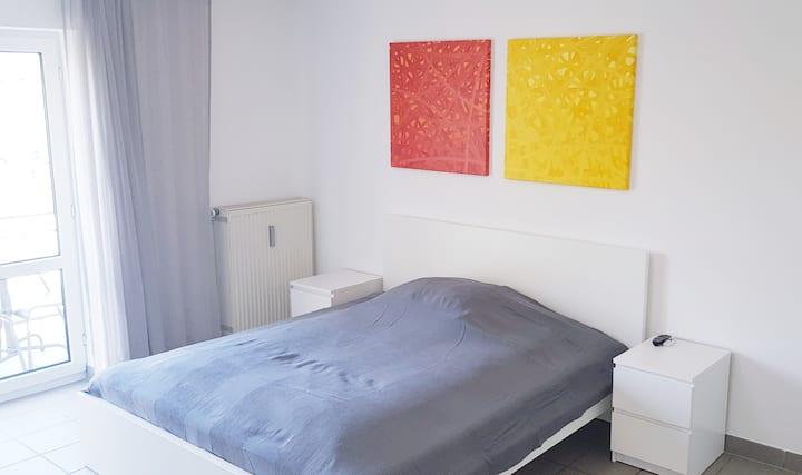 Wohnung + Balkon Nähe Audi/Innenstadt/Westpark W7