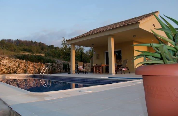 Vakantiewoning met privé zwembad - Calig - วิลล่า