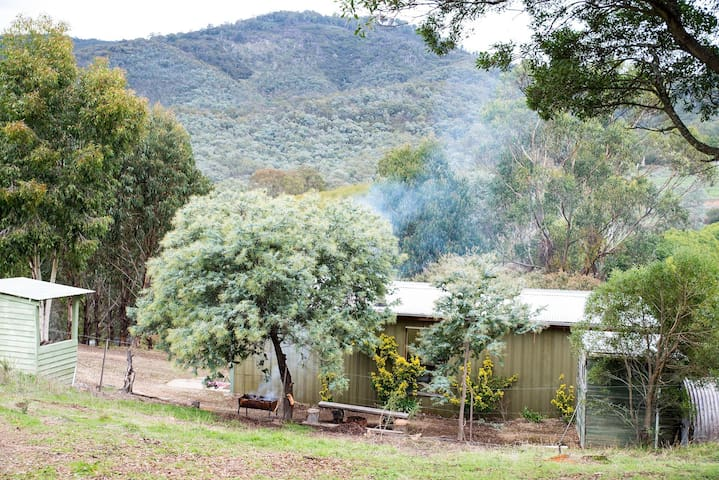 Awesome Views - Sleeps 9+ in Glamping Style