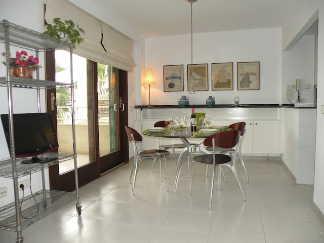 Nice beachfront apartment with garage - Llucmajor - Apartment