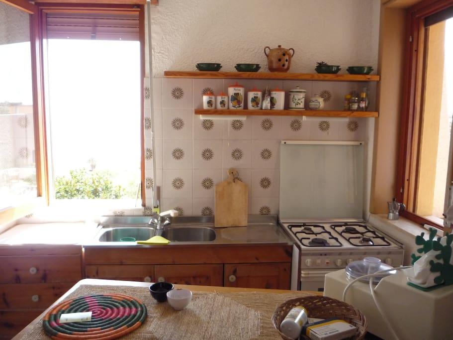Cucina super attrezzata vista mare