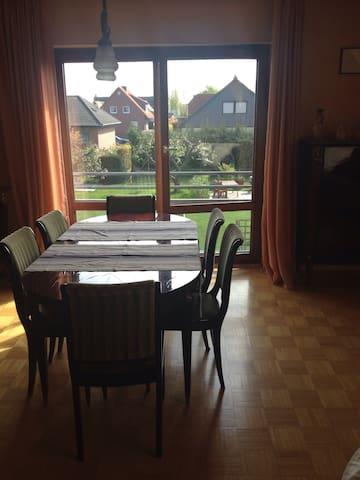 Ruhige 4 Zimmer Wohnung - Wendeburg - Byt