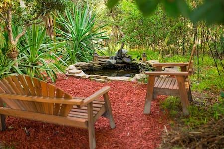 Om Oasis Cabin - Aptos - Cabin